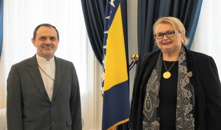 0 Bosnia willing to boost ties with Iran