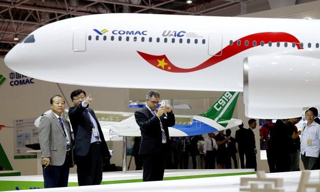 هواپیماهای مسافربری رقیب از چین و روسیه میآیند